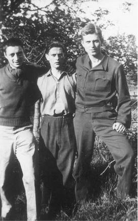 Robert Martin avec a sa droite Ralph Burckes et a sa gauche Rex Henze.